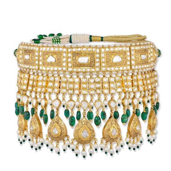 Image from https://www.devamjewelry.com/uploaded/thumbnails/db_file_img_577_1000x1000.jpg.