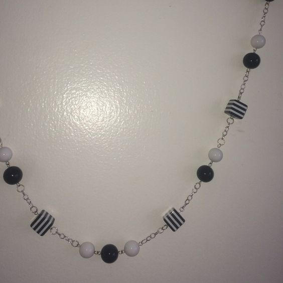 Black and White Bead Necklace >>> Cute modern black and white necklace. I am willing to do ️️ or Ⓜ️ for cheaper shipping :) Let me know Jewelry Necklaces