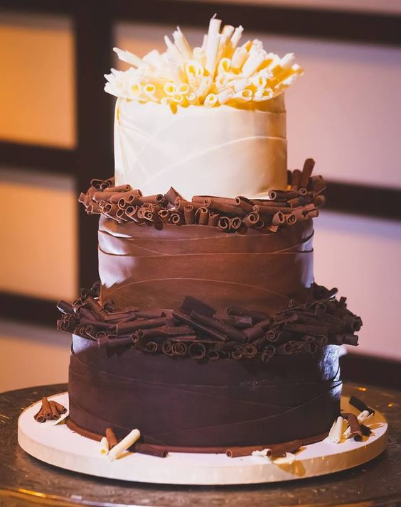 Chocolate Wedding Cakes For Fall Weddings Sure To Surprise The Guests