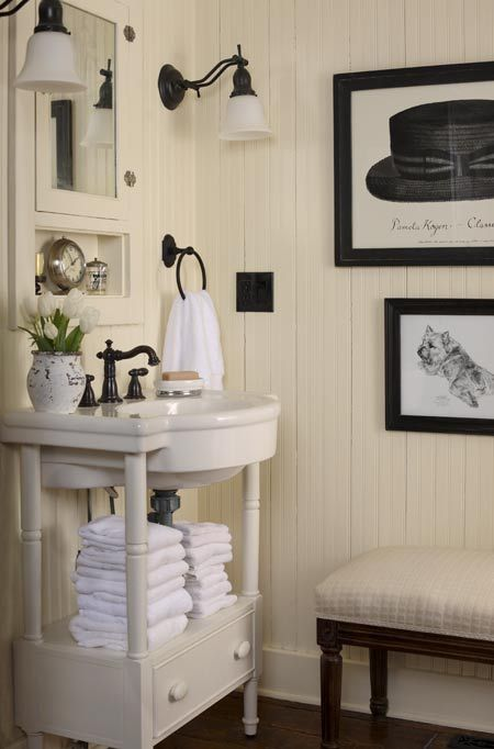 Cottage in the country at home arkansas the primitive for Cream and black bathroom ideas