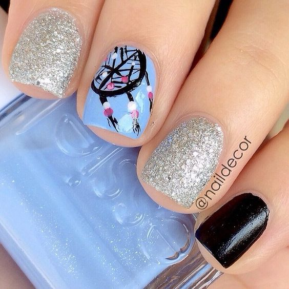 Glitter nails with dream catcher design is <3 <3 <3