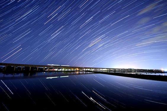 ここ日本…?茨城県で撮影した「ウユニ塩湖」のような絶景写真が話題に Twitter/@guruguruuzumaki
