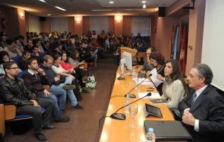 Antonio Salas, magistrado del Tribunal Supremo, a la derecha. http://www.laopiniondemurcia.es/comunidad/2013/12/14/antonio-salas-descarta-comicios-lugar/521130.html