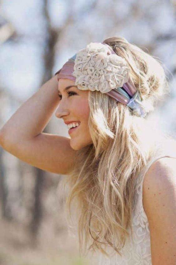 love her hair and the headband