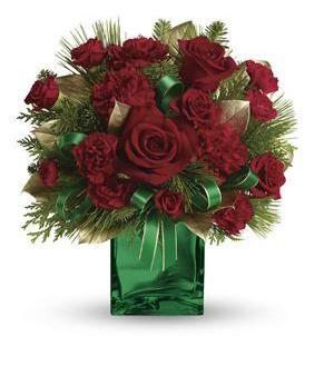 Teleflora's+Yuletide+Spirit+Bouquet: