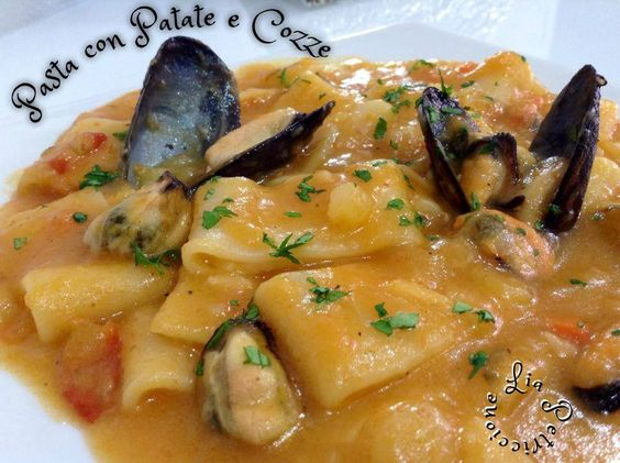 PASTA CON PATATE E COZZE - PASTA WITH POTATOES AND MUSSELS
