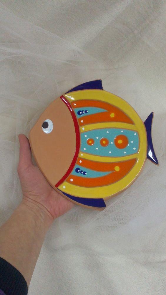 ceramica come mestiere: Pesce svuotatasche e pesce da parete.