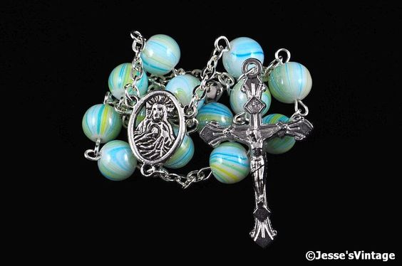 Auto Rosary Pocket Chaplet Green Blue Yellow Swirl Glass Bead 1 Decade Silver (6.21 USD) by JessesVintage