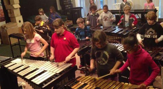 7歳〜12歳の小学生がロックの名曲を演奏! 木琴を使った圧巻パフォーマンスに目が釘付けなりよ