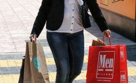 Bolsapubli, como gran empresa de bolsas publicitarias, tiene la obligación de producir bolsas a sus clientes para las compras del día de San Valentín.