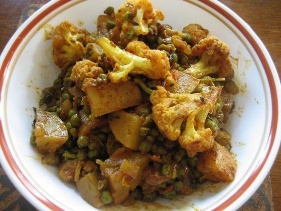 Recetas indias: Curry de coliflor, patata y arvejas