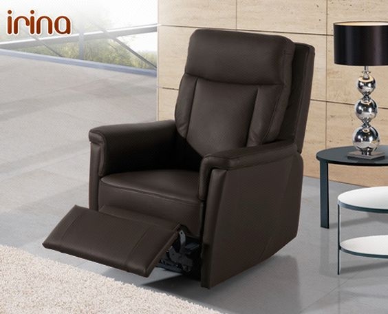 Su diseño con respaldo alto, similar a los asientos de avión, ofrecen una gran confortabilidad tanto a la hora de sentarse como al recostarse. Si elige la opción relax ganará en confort.    Está disponible en 2 plazas (140 cm), 3 plazas (180 cm), un conjunto 3+2 (formado por un modelo 2 plazas y un modelo 3 plazas), 2 plazas relax (140 cm), 3 plazas relax (180 cm),  3 plazas relax con 3 asientos (198 cm) y sillón relax (82 cm)