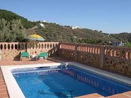Fantastische Villa mit Kamin und überdachter Grillplatz, Aufenthaltsraum, Terrasse, Parkplatz und Privatpool