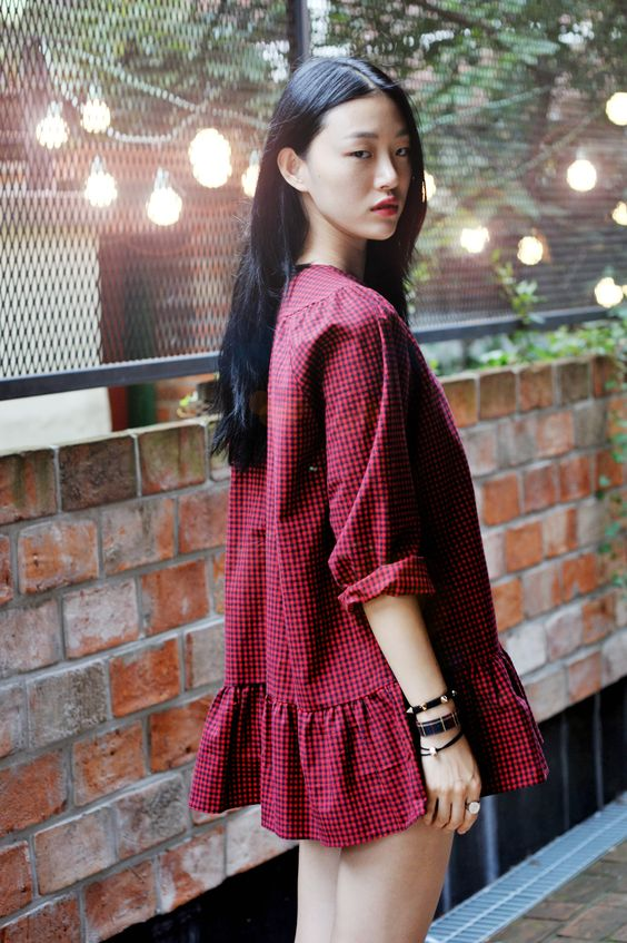 Koreal model Choi So Ra. I'm craving gingham dresses.