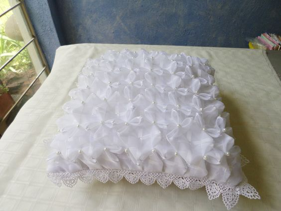 Lenceria De Baño En Capitone:Cojin para boda en capitone