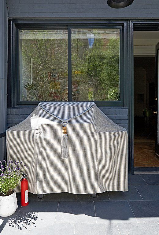 Completely obsessed with this custom grill cover and tassel!