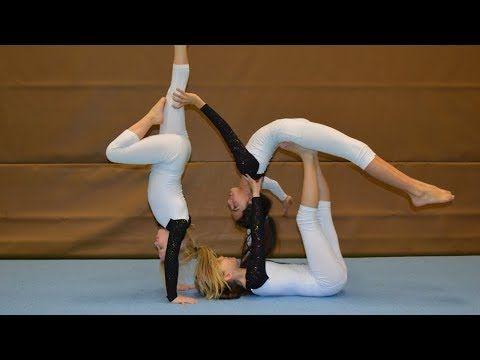 Akrobatik Lernen Mit Den Traumfangern 2 Partnerakrobatik Youtube Acro Yoga Poses Gymnastics Poses 3 Person Yoga Poses