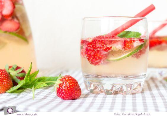 Bei über 30 Grad im Schatten braucht es eine ordentliche Abkühlung. Hugo war gestern,heute gibt es den Erdbeer Hugo als prickelnde Sommer Bowle –alkoholfrei oder mit Alkohol. Zutaten: 500 g frische Erdbeeren 3 frische Limetten frische Minze Holunderblütensirup (z.B. Monin) Mineralwasser mit Kohlensäure 1 Flasche Sekt (trocken oder halbtrocken) Zubereitung: Die Erdbeeren waschen, putzenund Scheiben …