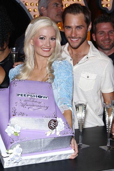 Holly Madison celebrates anniversary of Peepshow