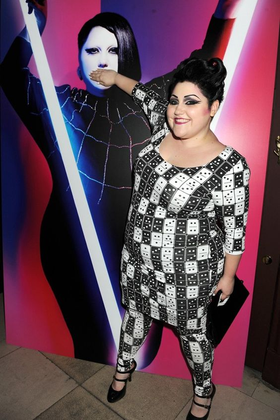 Beth Ditto in dominoes