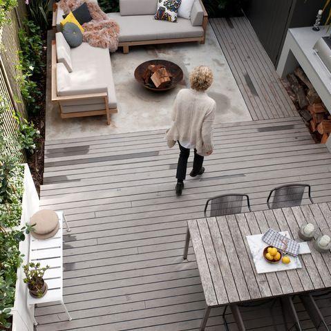 Amenagement D Une Cour Arriere Pour Terrain Etroit Dessins Drummond In 2020 Rooftop Garden Outdoor Decor Patio