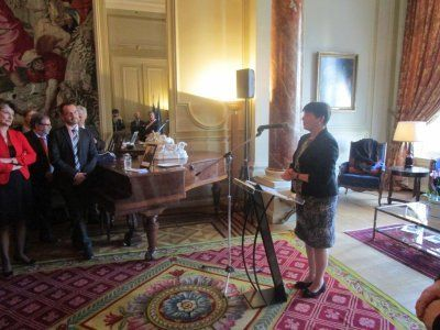 Le 29 octobre 2015 à la Résidence de France, Mme Claude-France Arnould, Ambassadeur de France, a présidé la cérémonie officielle d'accueil dans la communauté et la nationalité françaises de 47 personnes issues de 22 nationalités différentes au sein de la communauté française de Belgique
