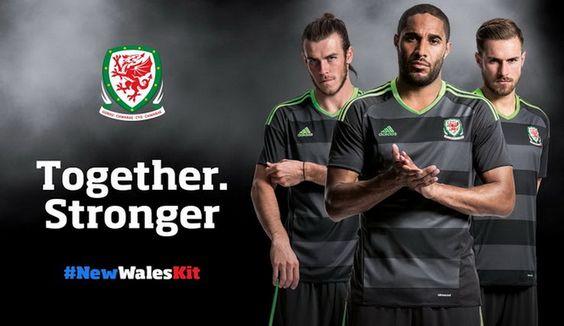 Ceci est le nouveau Maillots de football Exterieur Euro 2016 de Équipe du pays de Galles de football.: