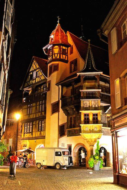 Built in 1537, this home was built for Ludwig Scherer Hatter who made his fortune with the silver trade in the Valley of Lièpvre. Despite its medieval characteristics, it is the first example of the architectural Renaissance in Colmar. With its oriel of angle in two floors, its wooden Gallery, its octagonal turret and its wall hinges that represent scenes biblical and secular, the Maison Pfister became one of the symbols of the old Colmar. It owes its name to the family that the restored and…