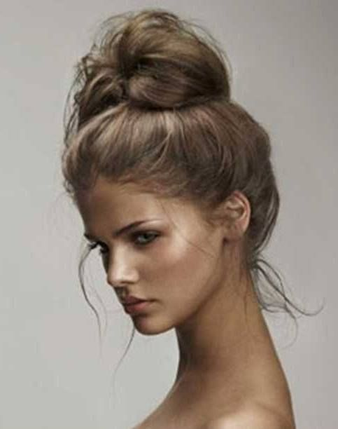 40 High Messy Bun Hairstyles Ideas Hair Styles Long Hair Styles Messy Hairstyles