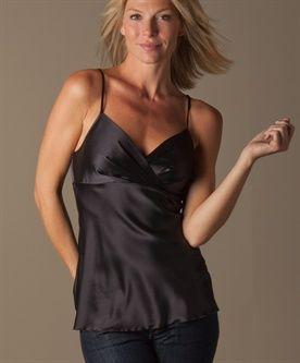 kleine borsten  niet: open of diepe halslijn, nauwsluitende of strakke topjes of t-shirts