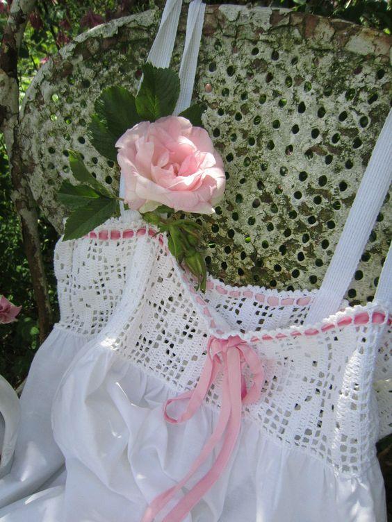 http://www.ebay.de/itm/SCHONES-NACHTKLEID-HAKELKANTE-WEISS-Franske-Shabby-FRANKREICH-JDL-BELLE-BLANC-/221448495627?nma=true