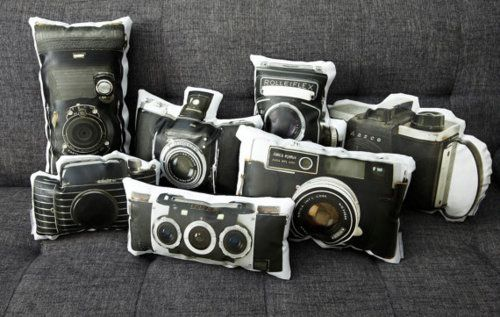 Vintage Amica Eyelux Camera Canvas Printed Pillow by intheseam    How amazing are these pillows?! Good looking and handmade such a great combo!