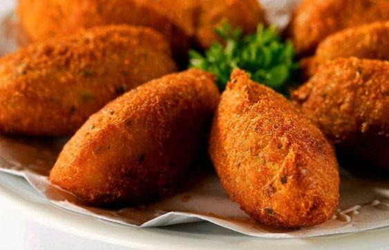 How to make Portuguese cod fritters (pasteis de bacalhau).