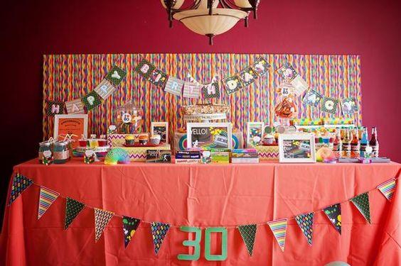 Una fiesta a os 80 para un 30 cumplea os a 1980s party - Ideas para cumpleanos 2 anos ...