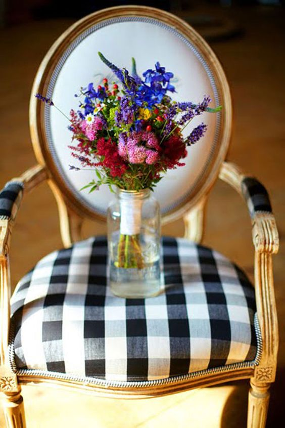 flowers + gingham make me happy: Bright Wildflowers, Color, Black And White, White Check, Gingham Chair, Decorating Chairs, French Chairs, Buffalo Checks, Gingham Style