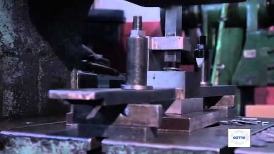 Building the AK-47 magazine