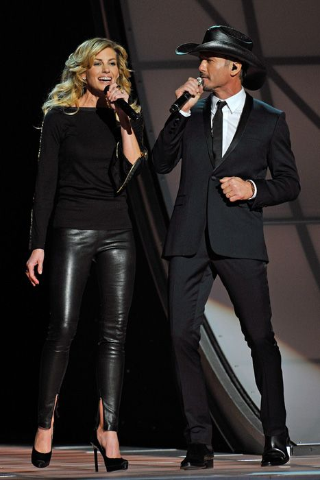 Faith Hill and Tim McGraw at the Country Music Association Awards