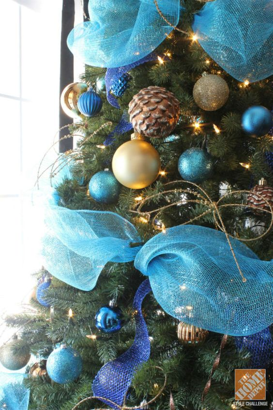 Christmas tree decorating ideas turquoise blue bronze for Blue decoration xmas tree