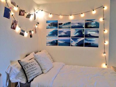 monocolor decorations, clean bedding
