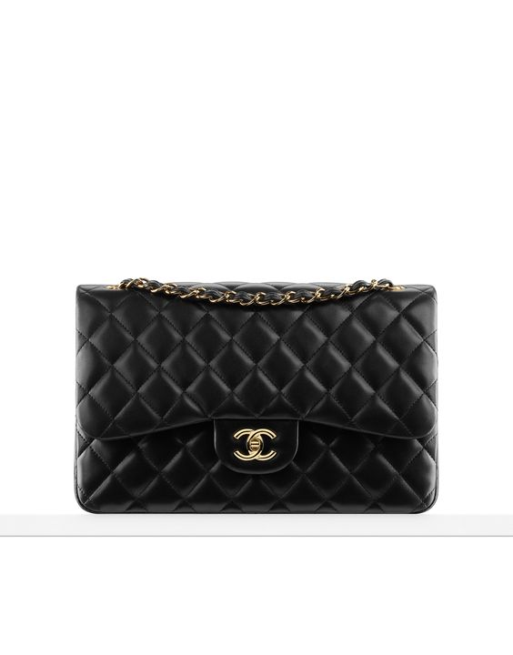 """Classic flap bag in quilted lambskin - CHANEL Ganz oben auf meiner """"Fashion Wishlist""""! Wohl die IKONE unter den Taschen (da kann nur die Birkin mithalten)!  Kennt IHR eigentlich die Geschichte der Tasche und ihrer Vorgängerin 2.55? Nein? Dann wirds Zeit! http://www.shoplemonde.de/de/2012/06/27/chanel-2-55-dokumentation-einer-tasche/"""