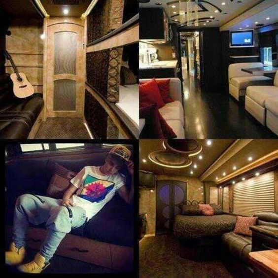 Believe Tour - Bus