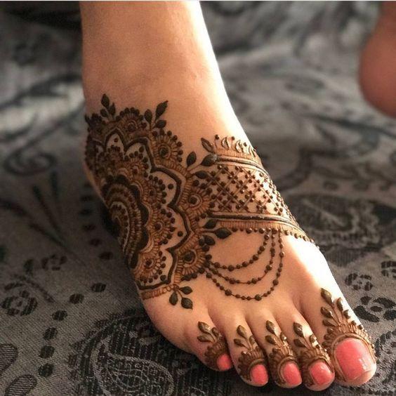 Looking For The Best Henna Designs Scroll Through Our List Henna Designs Feet Legs Mehndi Design Mehndi Designs Feet