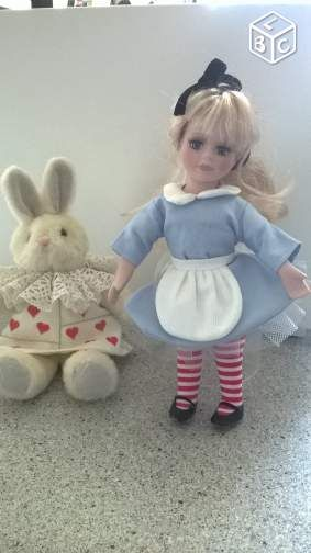 Alice aux pays des merveilleset le lapin blanc