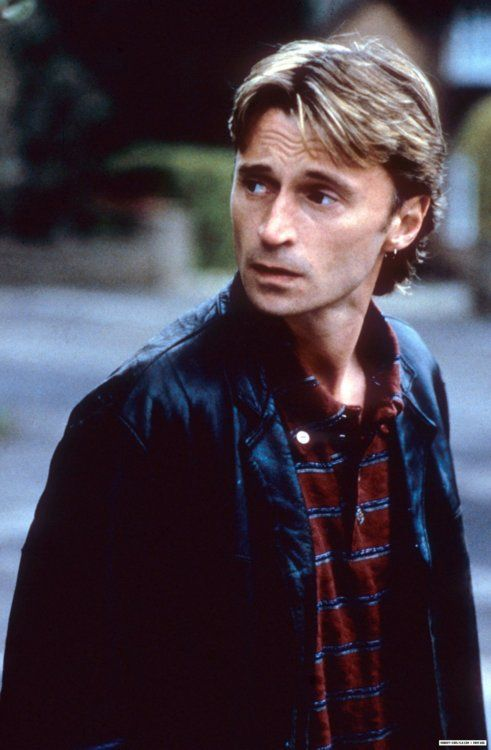 Robert Carlyle, yes this 52 year old man (and once upon a time actor) is SMOKEN HOT!! #don't judge me!! ;)