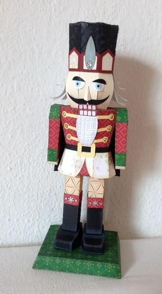 Weihnachtsdeko - Nußknacker aus Papier - ein Designerstück von gislis bei DaWanda