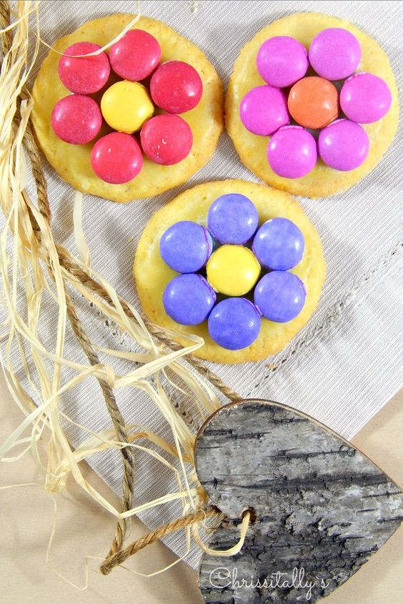Chrissitally´s Cupcakefactory: Blumige Smarti-Cookies und Bio-Prüfungen