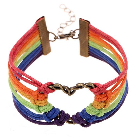 Show off your pride with this pride heart bracelet. Length : 20cm
