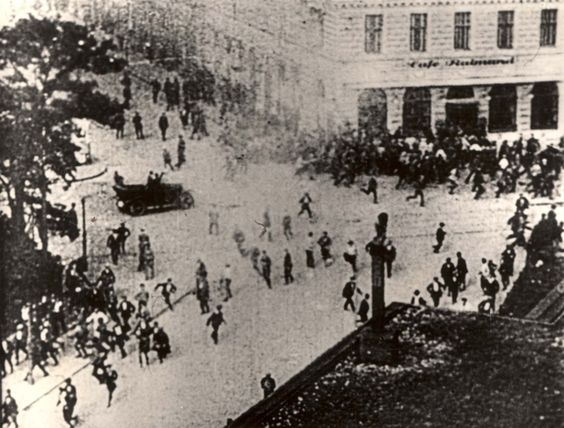 Image result for Nazis and communists fight in the streets of Berlin in the 1920s