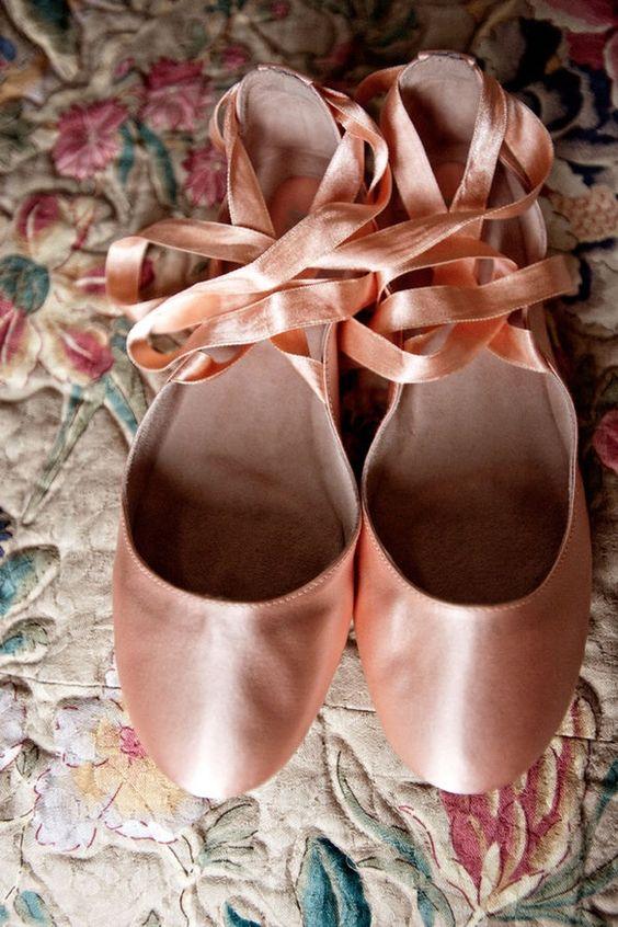 wedding ballet shoes http://media-cache7.pinterest.com/upload/40954677831493363_D62MrO60_f.jpg stephanie_ries pour toujours