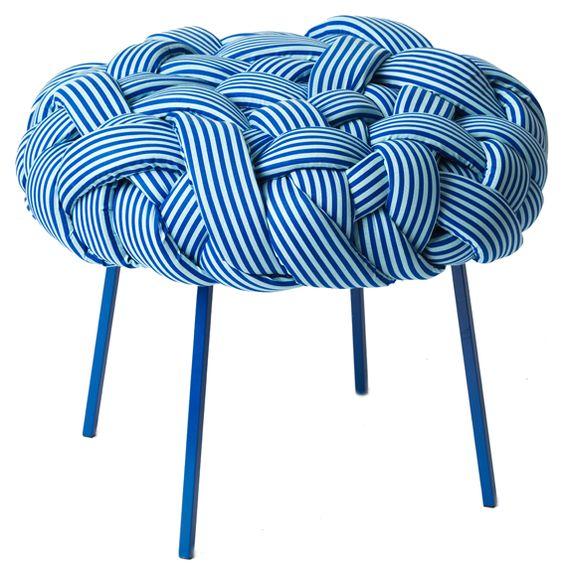 Pufe Cloud Azul | Design por Humberto da Mata | MUMA | muma.com.br